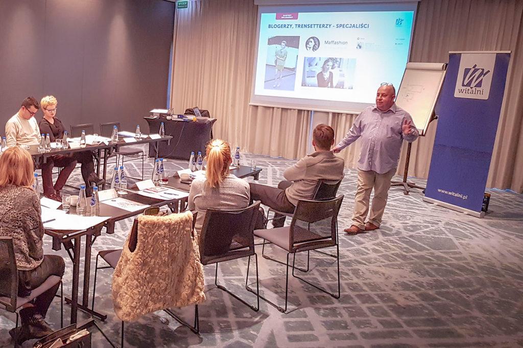 Uczestnicy podczas szkolenia z marketingu