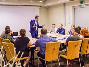 na szkoleniu z negocjacji - cała sala