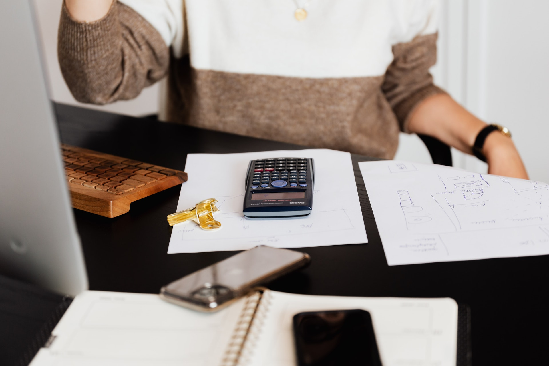 Na czym można oszczędzać, prowadząc przedsiębiorstwo?