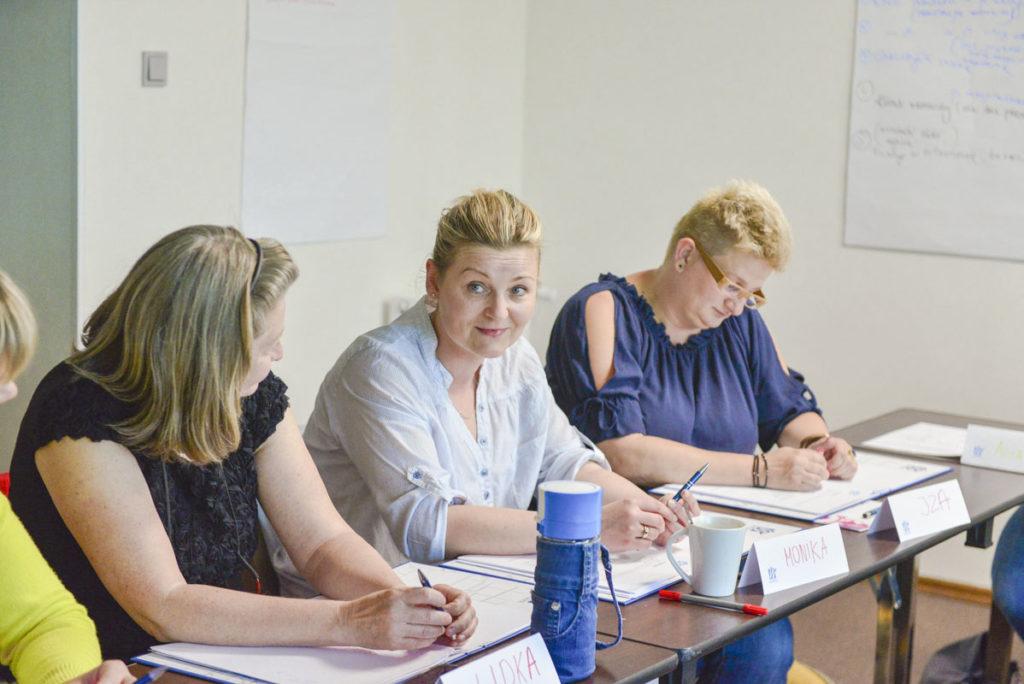 Grupa na szkoleniu z obługi Klienta